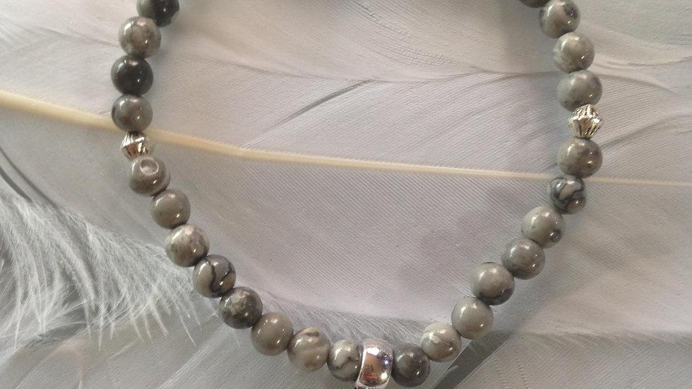 Bracelet en perles de Jaspe Dalmatien avec Rose, Médaille de Saint Thérèse bénie