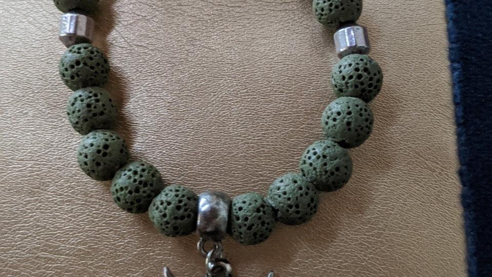 Bracelet Pierres de Lave Kakis et tête de Buffle