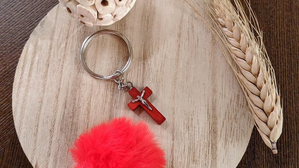 Porte Clef Pompon Rouge en fourrure et Croix en bois