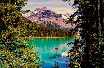 Lac-foret-Canada.jpg