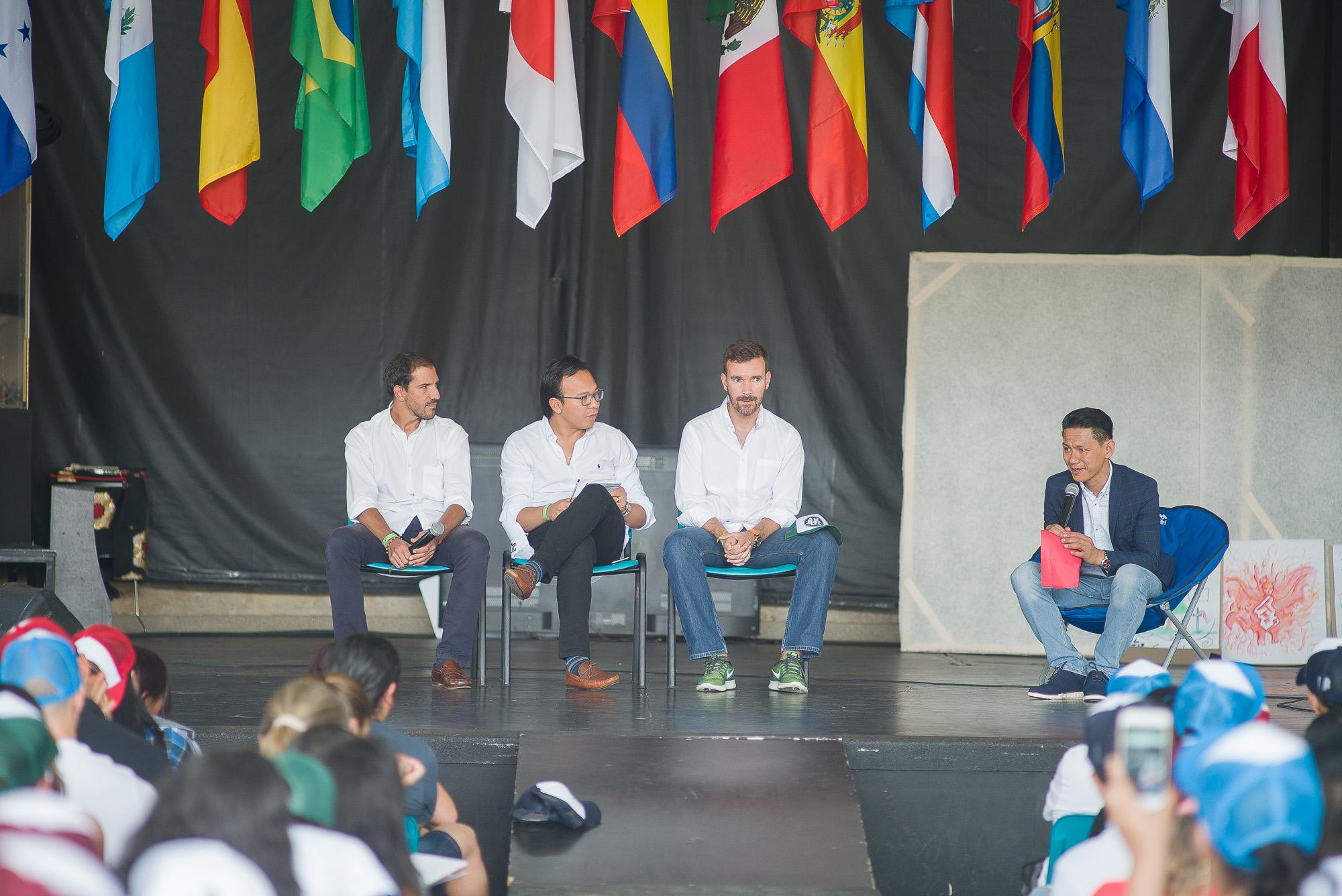 panel liderazgo y comunicación