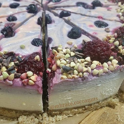 NEW raw deliciousness 😍💜 Acai Berry White Choc' omg yummm! Tastes just as good as it looks 😊 💜🍰