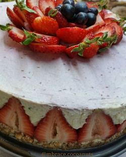 Oh my cake godess 😍❤_A healthy cheesecake full of good fats and very high in protein _)_Totally glu