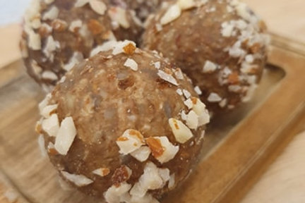 Apricot & Almond Protein Ball