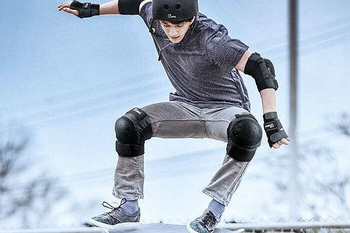 Teens skating protection