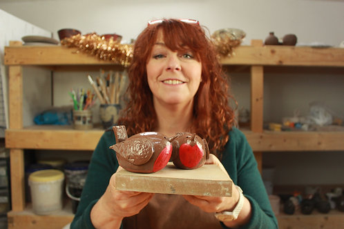 The ClayRooms shows you: How to make a Christmas Robin
