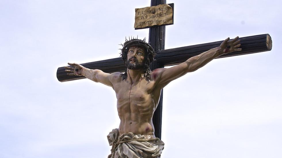 """Viernes Santo de la Pasión del Señor: """"Todo se ha cumplido"""""""