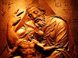 Padre Creador, Hijo Redentor, Espíritu Santificador: Tres Personas, Solo Un Dios.