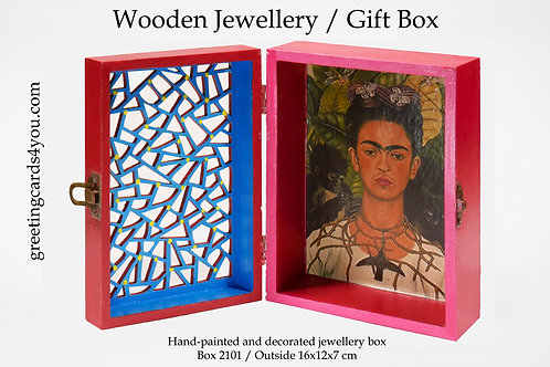 Wooden Memento/Jewellery Box - 2101