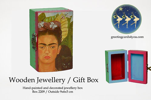 Wooden Memento/Jewellery Box - 2209