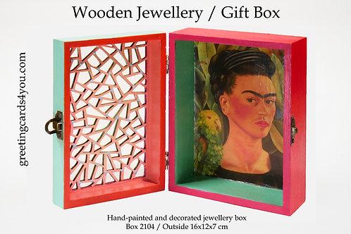 Wooden Memento/Jewellery Box - 2104