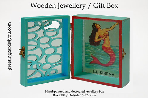 Wooden Memento/Jewellery Box - 2102