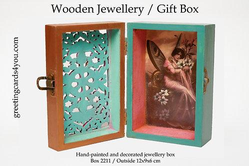 Wooden Memento/Jewellery Box - 2211