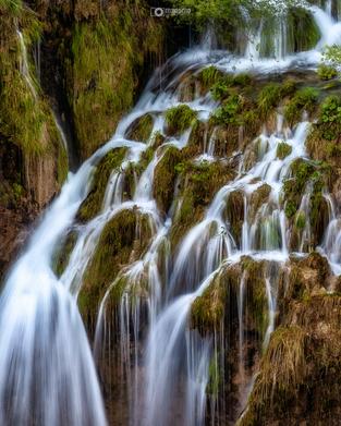 Plitvice-Lakes-Waterfalls_1600x1600.webp