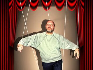 Est-il réellement facile de faire la mise en scène d'un spectacle de marionnette?