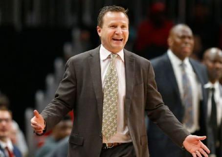 Fuentes: Scott Brooks deja de ser coach de Wizards