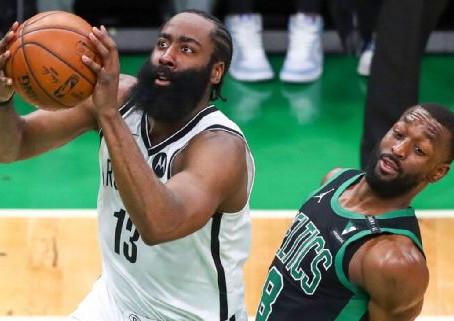 NBA explora cambios en reglas para restringir movimientos 'antinaturales' en disparos que provocan