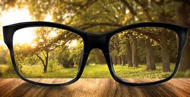 Radio rro: Kurzsichtigkeit. Kaputte Augen durch Lockdown?, dr. vandekerckhove, corona lock down, nutzung digitale medien, schädigung augen