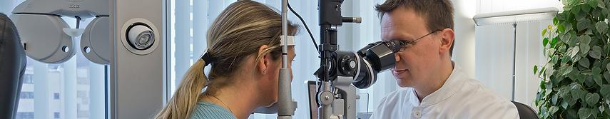 centre ophtalmologique vista alpina, viège, sierre, ophtalmologie, salle d'opération, maladies des yeux, consultation, chirurgie des yeux, voir sans lunettes, valais, haut-valais, eye clinic, eye centre, ophthalmologist, cataract, glaucoma, premium lenses, contact lenses, laser treatment, Dr. Vandekerckhove, Vista Alpina, Visp, Sierre, Sion, Sion, Brig, strabismus treatment, macular degeneration, Upper Valais, Valais, Bernese Oberland, Thun, Spiez, Switzerland, eye surgery, eye surgery, seeing without glasses, orthoptics, retina surgery, retina surgery, eyelid surgery, refractive surgery, intravitreal therapy, refractive errors, presbyopia, eye diseases, Augenklinik, Augenzentrum, Augenarzt, Grauer Star, Grüner Star, Premium-Linsen, Kontaktlinsen, Laserbehandlung, Dr. Vandekerckhove, Vista Alpina, Visp, Siders, Sierre, Sitten, Sion, Brig, Schielbehandlung, Makuladegeneration, Oberwallis, Wallis, Valais, Berner Oberland, Thun, Spiez, Schweiz, Augenchirurgie, Augenoperationen, Sehen ohne Brille, Orthoptik, Netzhautsprechstunde, Netzhautchirurgie, Lidchirurgie, refraktive Chirurgie, intravitreale Therapie, Fehlsichtigkeiten, Alterssichtigkeit, Augenerkrankungenkeiten, kurzsichtigkeit, myopie, weitsichtigkeit, hyperopie, alterssichtigkeit, hornhautverkrümmung, astigmatismus, vista alpina augenzentrum, dr. med. vandekerckhove,