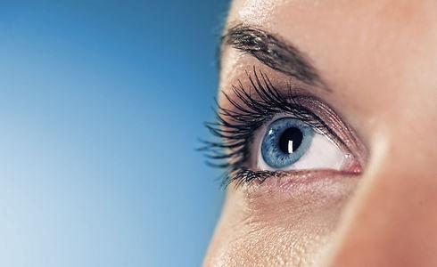 sprechstunde, augensprechstunde, vista alpina augenzentrum, visp, siders, wallis, oberwallis, augenheilkunde, augenarzt, ophthalmologie, operationssaal, augenkrankheiten, augenerkrankung, fehlsichtigkeitenm kurzsichtigkeit, weitsichtigkeit, alterssichtigkeit, hornhautverkrümmung, astigmatismus, katarakt, glaukom, grauer star, grüner star, anatomie des auges