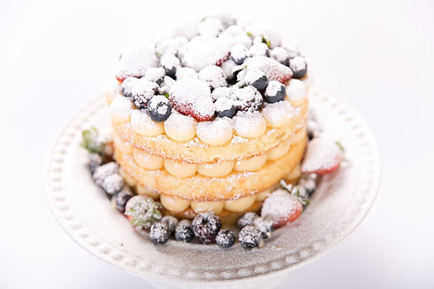 Naked Cake de Doce de Leite e Frutas Vermelhas