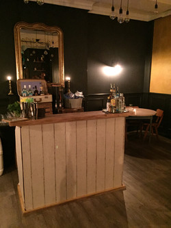 Vintage Bar in Cosy Setting