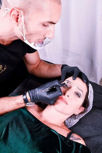 consulenza tatuaggio sopracciglia