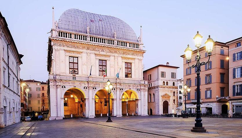 piazza-loggia.jpg