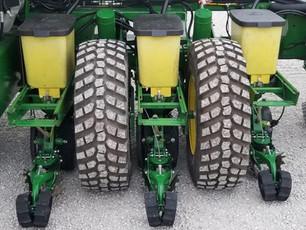 Float Tires VS Tracks