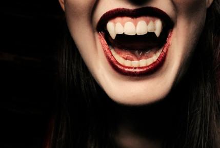 Canines vampire