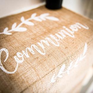 chemin table communion.jpg