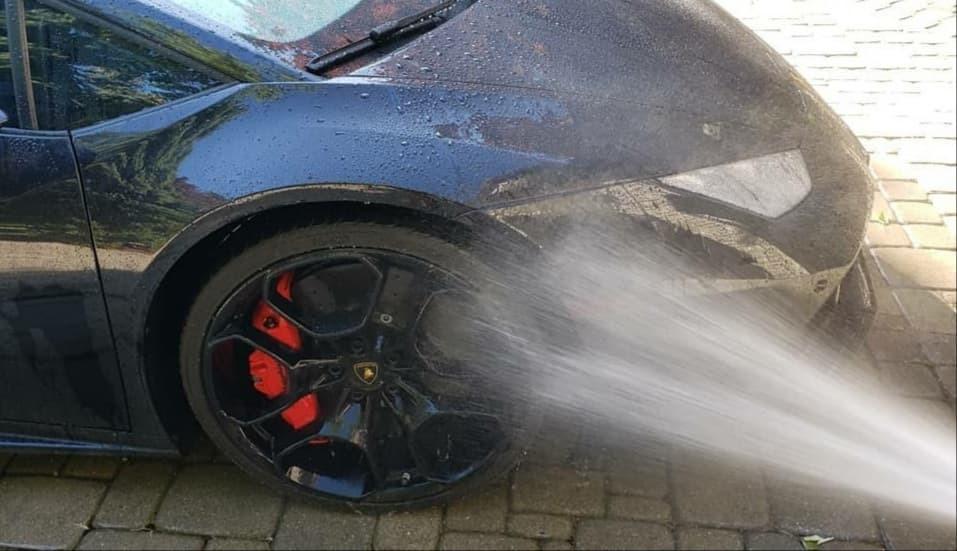 Lamborghini Huracan - Exterior wash