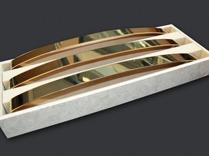 12-luxsense-display-christan-louboutin.j