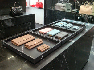 2-luxsense-display-saint-laurent.jpg