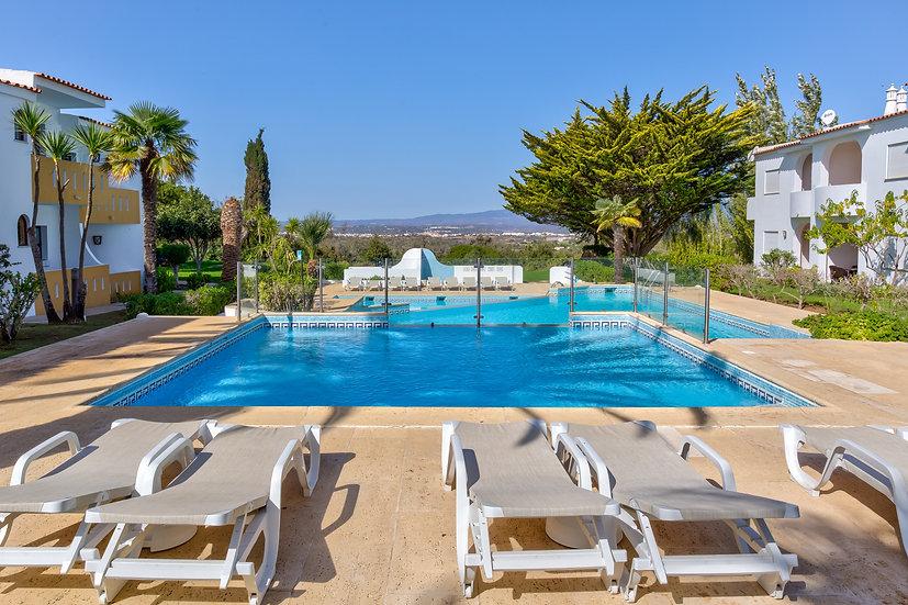 Pool Monchique.jpg