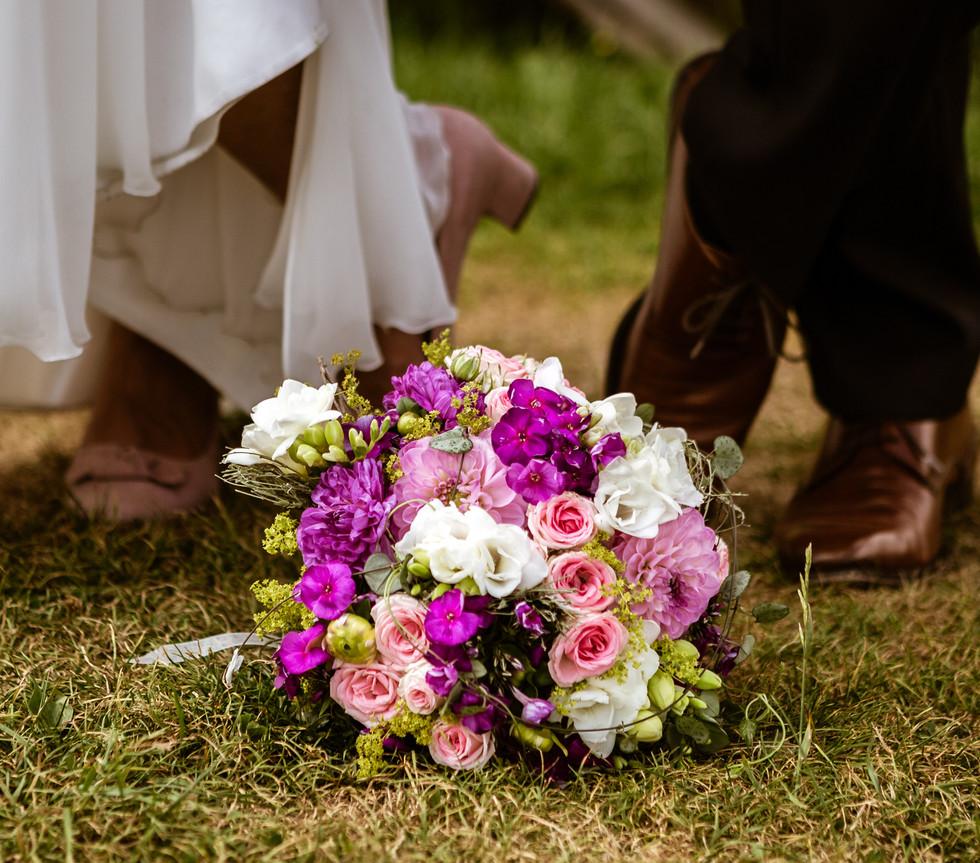 Brautstrauss Hochzeitsfotograf München Alm Jufenalm