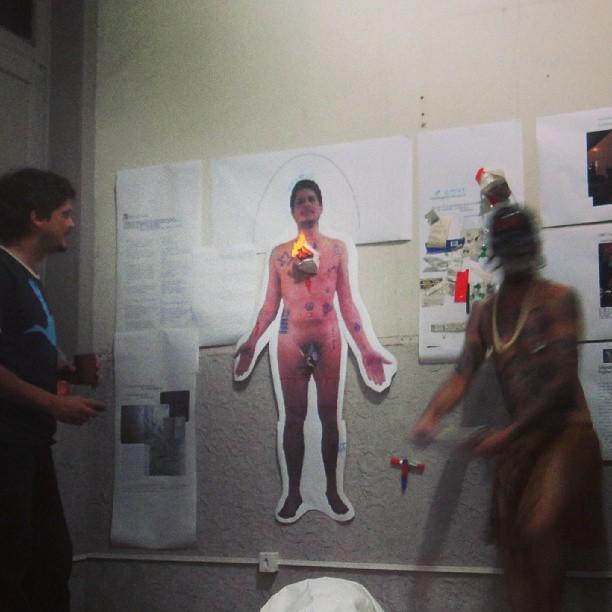 Microretrospectiva_40por18_Daniel_Seda_2013_CASA_24_Rio de Janeiro-(Ritual de Rebatismo Laico-1)