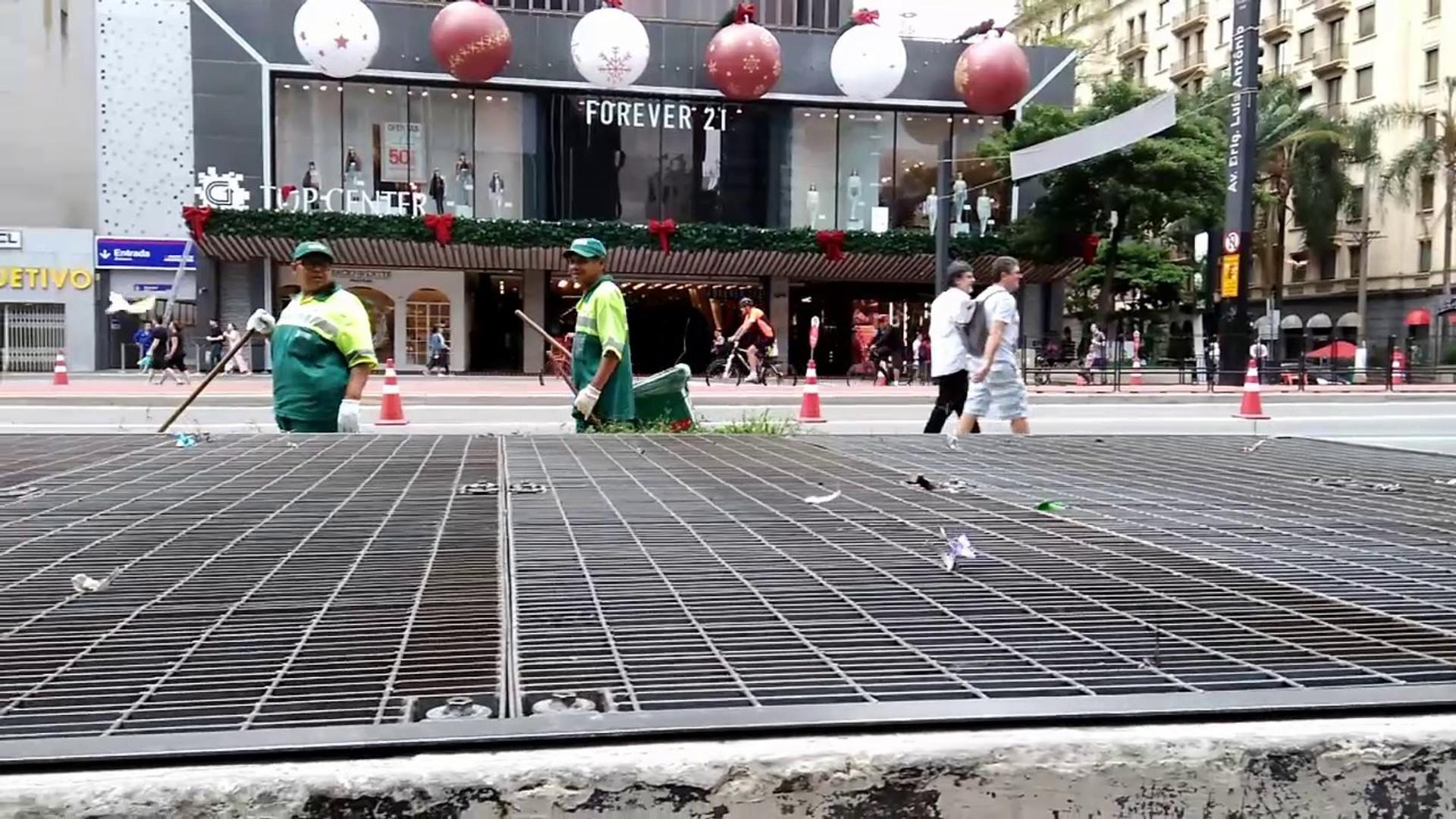 Objetos Flutuantes Urbanos