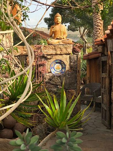 Buddha-fuera-casa-Denis-3.jpeg