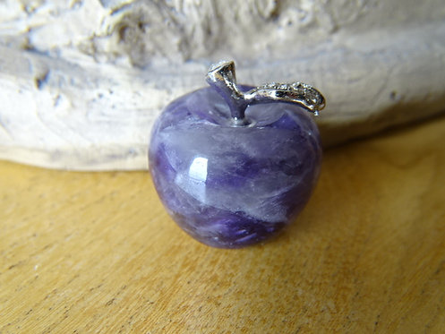 AMETHYST CARVED APPLE