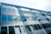 Fachada Blindada Blindaço para empresas, portas blindadas, janelas blindadas, fachada de vidro blindada, guaritas blindadas com certificação do exército brasileiro e 5 anos de garantia totat