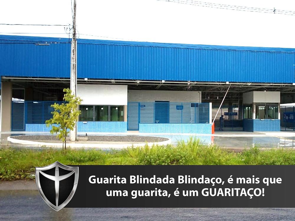 Guarita blindada Blindaço em Manaus equipada com porta blindada, janela blindada equipada com vidros blindados nível III-A e passa-documentos blindados certificados pelo exército brasileiro