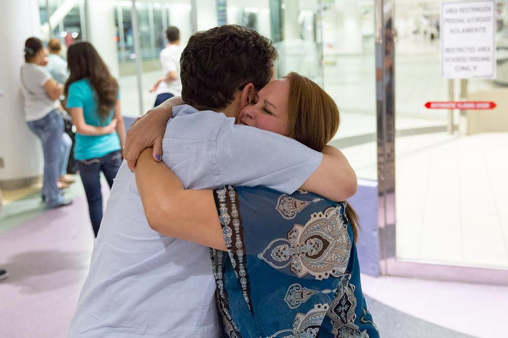 Nuestro primer encuentro en persona, en el aeropuerto (Foto: Aníbal Martel)