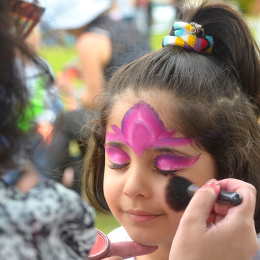 Esther's Gentle Face Painting
