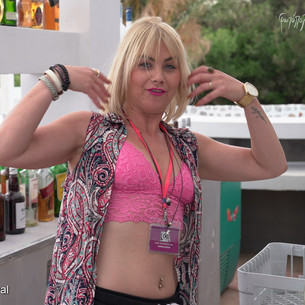 Gianna Louppasi Rocks the Pearl Cavo Bar