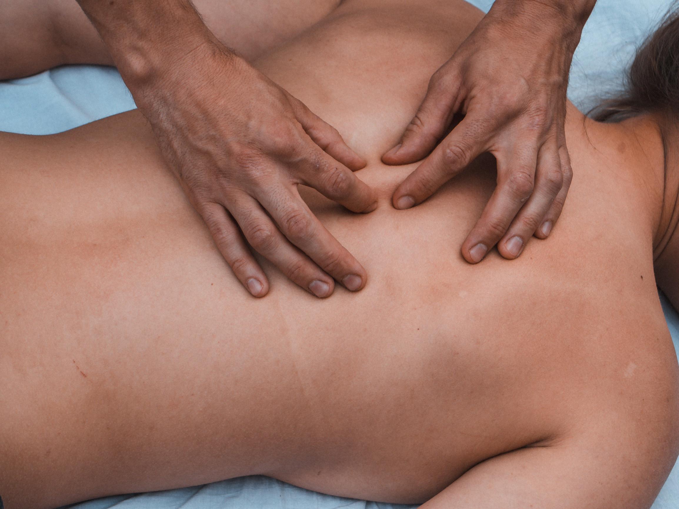 Rücken- und Nackenmassage