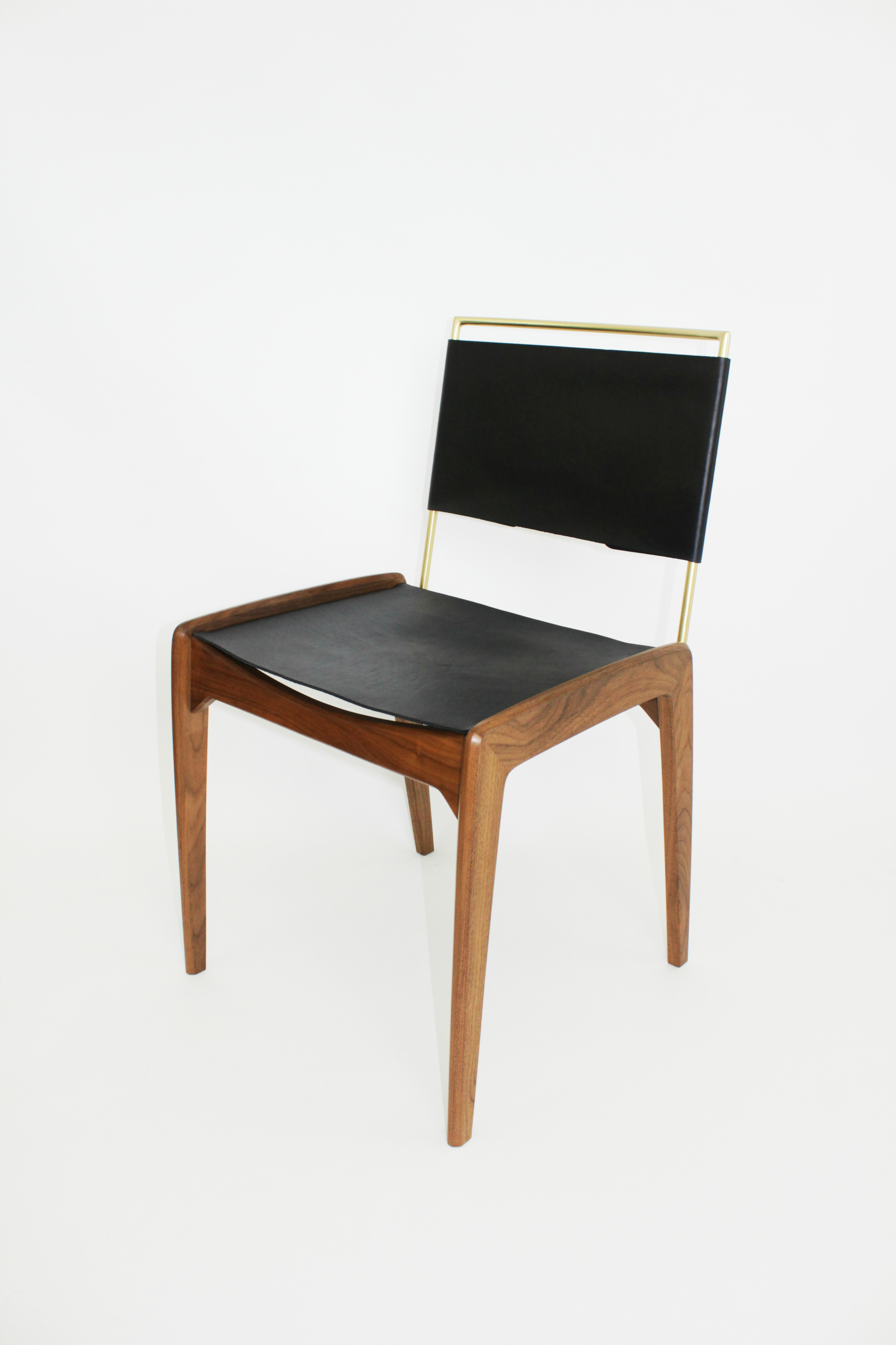 LD1 Leather & Walnut Dining Chair