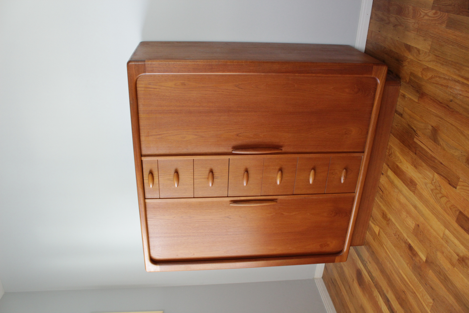 Dyrlund Gentleman's Chest