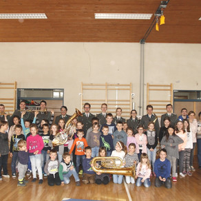 Militärmusik zu Gast in der Volksschule Silbertal