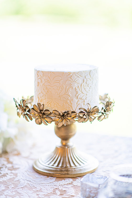 micro wedding cake with lace in virginia
